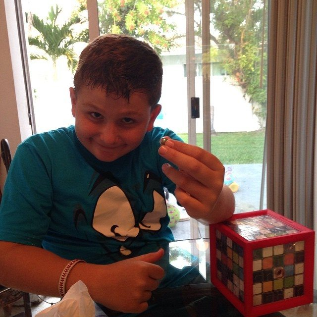 nikos solved the paradox box fat brain toys