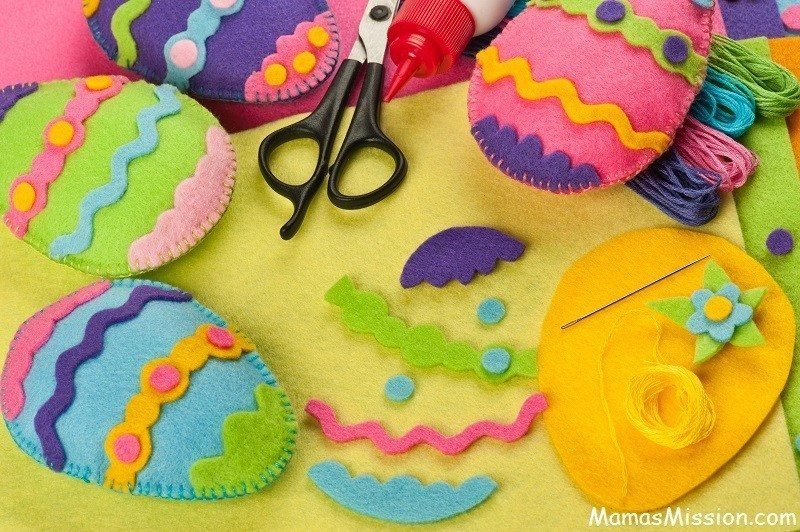 4 fun easy easter crafts to create with your children do it yourself easter felt decorations easter crafts solutioingenieria Choice Image