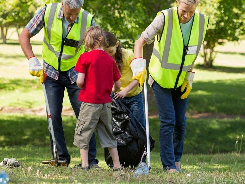5 DIY Volunteer Activities You Can Do For Family Volunteer Day generationOn