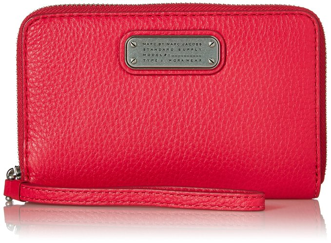 Marc Jacobs Wristlet Last Minute Valentines Day Gifts