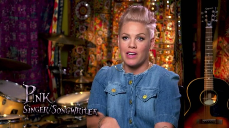 Pink to Record Original Song for Alice Through the Looking Glass