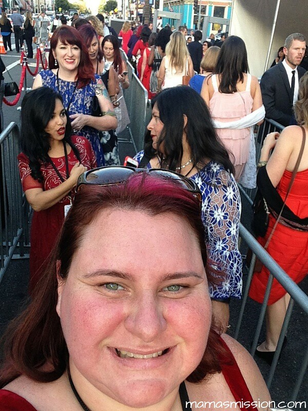 Have you ever wondered what it's like to attend a Red Carpet Premiere? Take a walk down the Alice Through The Looking Glass Red Carpet Premiere with me!