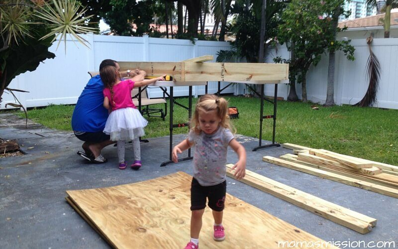 Our first do it yourself family project diy sandbox with roof we finally did it our very first do it yourself family project is a sandbox solutioingenieria Choice Image